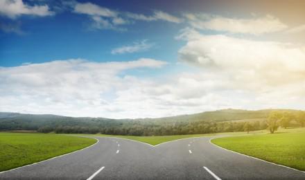 economy-cross-roads